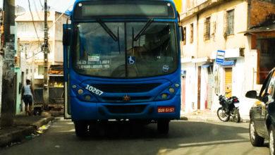 Photo of Ônibus da linha 0710 quebra na rua principal do Bairro da Santa Cruz
