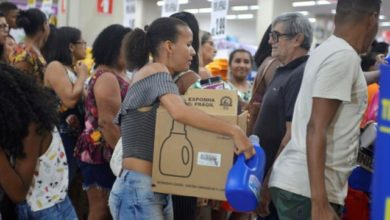 Photo of Baianos aproveitam descontos da Black Friday