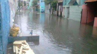 Photo of Forte Chuva deixa ruas e avenidas alagadas no Complexo do Nordeste de Amaralina