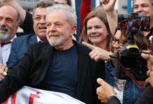 Photo of Lula é solto após um ano e sete meses preso em Curitiba