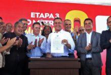 Photo of Ordem de serviço que leva metrô até Águas Claras em 2022 é assinada