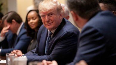 Photo of Deputados aprovam impeachment do presidente Donald Trump
