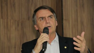 """Photo of """"Na semana que vem, se não começar volta ao emprego, vou tomar decisão"""", afirma Bolsonaro"""