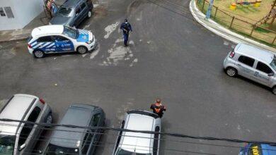 Photo of Sedur realiza fiscalização no Bairro do Vale das Pedrinhas com apoio da Guarda Municipal