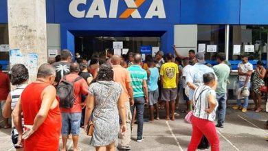 Photo of Caixa pede para clientes evitarem aglomerações ao sacar auxílio emergencial