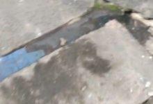 Photo of Moradora do Nordeste de Amaralina grava vídeo indignada com podridão de esgoto a céu aberto