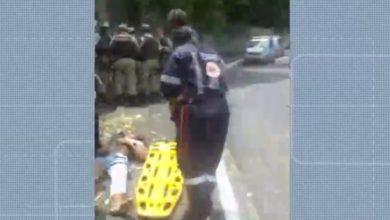 Photo of Ciclista sofre acidente no bairro da Santa Cruz e homem que socorreu alega que Samu não queria ir ao local